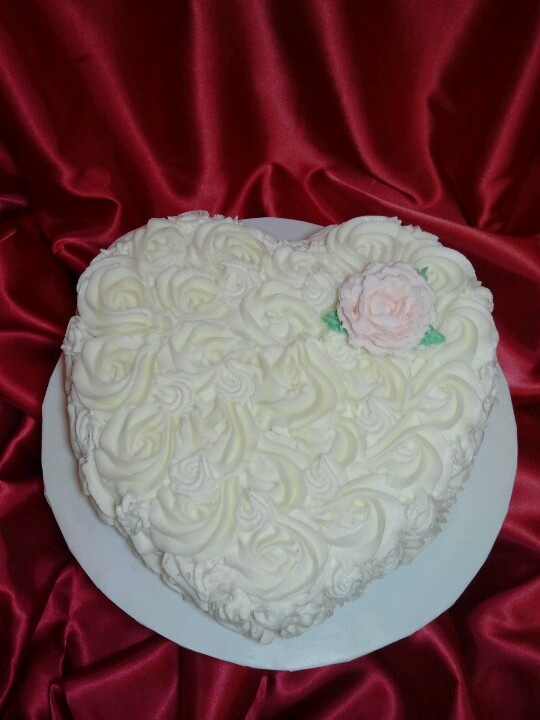 valentines day cake with fondant