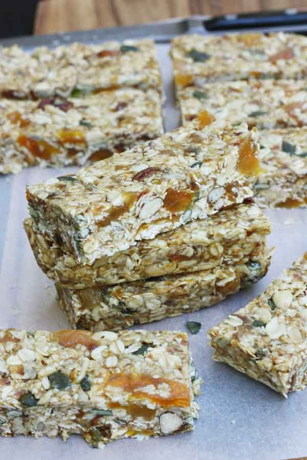 Pecan, white chocolate & maple no-bake granola bars - Scrummy Lane