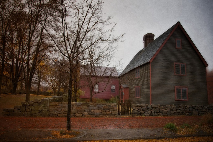 house of seven gables symbolism essay