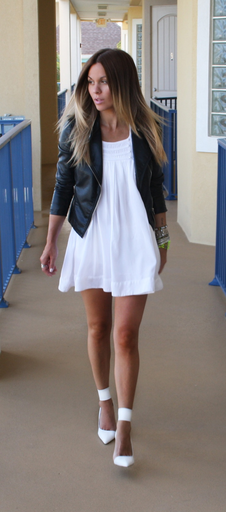 White pointy pumps / Black leather jacket  (Seriously having a white pump moment) yes i agree i sooooo love those white pointy pumps too i must go out and get a pair awwwww there georogus mwah x