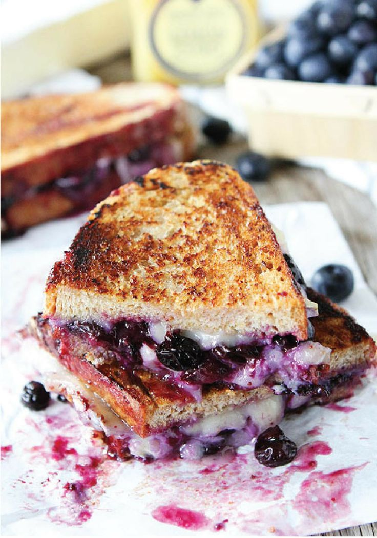 Blueberry, Brie and Lemon Curd Grilled Cheese -- A sweet and decadent ...