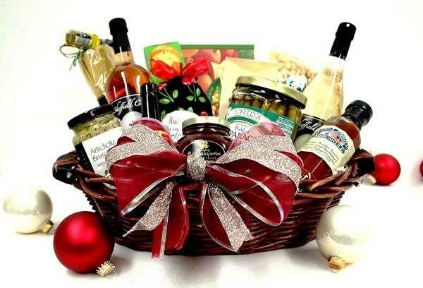 Pin by jenn cook on christmas pinterest for Homemade christmas gift basket ideas