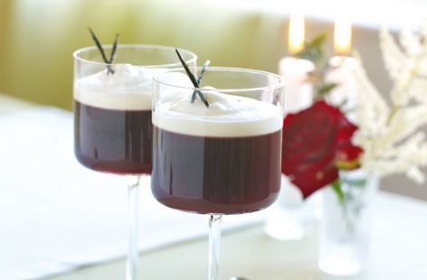 Mulled wine jelly with vanilla ice cream - Tesco Real Food