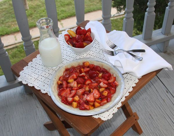 strawberry raspberry peach crumble pie | Food | Pinterest