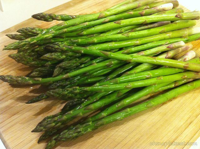 Very Healthy and Easy to make - Simple Oven Roasted Asparagus!