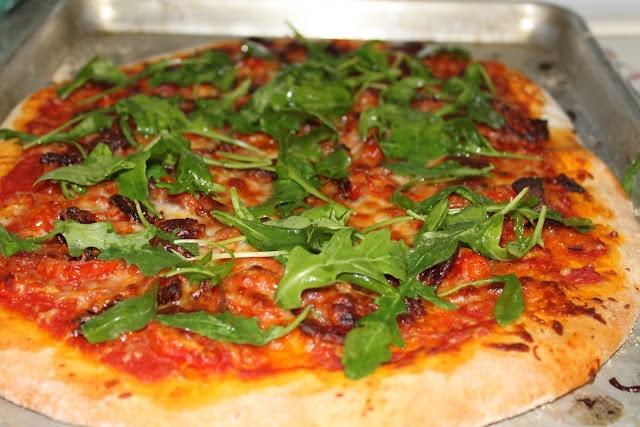bacon, tomato, and arugula pizza | Dinner | Pinterest