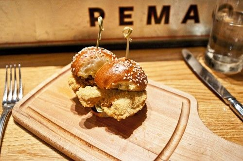 Oyster Sliders yum | Seafood Oysters | Pinterest