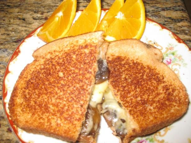 Mushroom and Pepper Cheese Toastie (Grilled Cheese Sandwich | Recipe