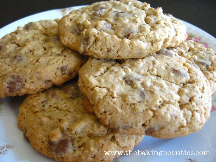 Gluten-free Oatmeal Chocolate Chip Cookies. My first successful gluten ...