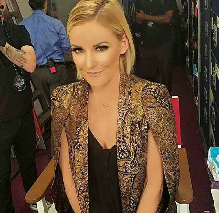 Renee young paquette