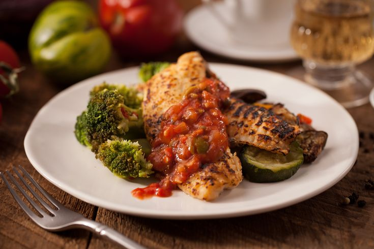 Healthy Recipe: Baked Tilapia with Tomato Caper Sauce Tilapia ...