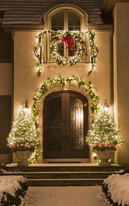 Christmas Decorations For Neighborhood Entrances : Christmas outdoor entrance decor