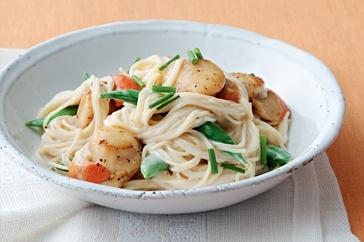 Spaghetti with seared scallops & sugar snap peas | Recipe