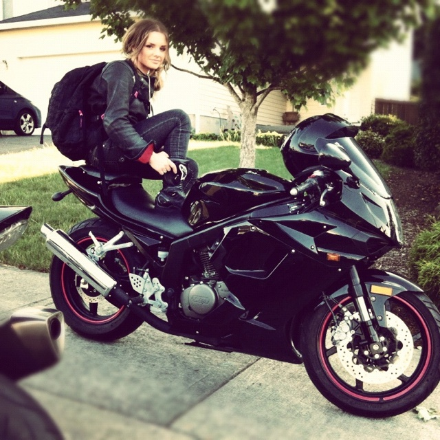 Motorcycle biker chick hyosung @miss_audacious (Instagram ...