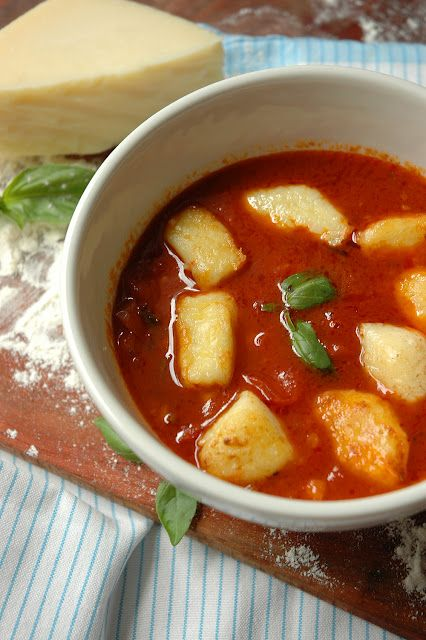 Gnocchi with Tomato and Basil. | Foodie | Pinterest