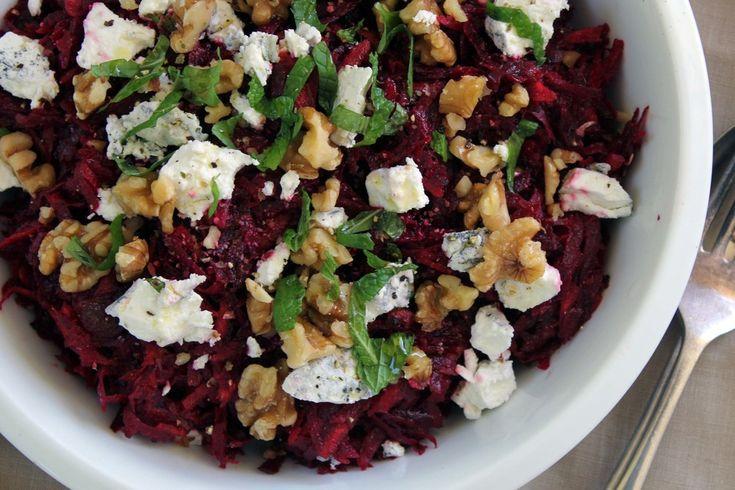 Beetroot, walnut & goat cheese salad w/ grapefruit & olive oil ...