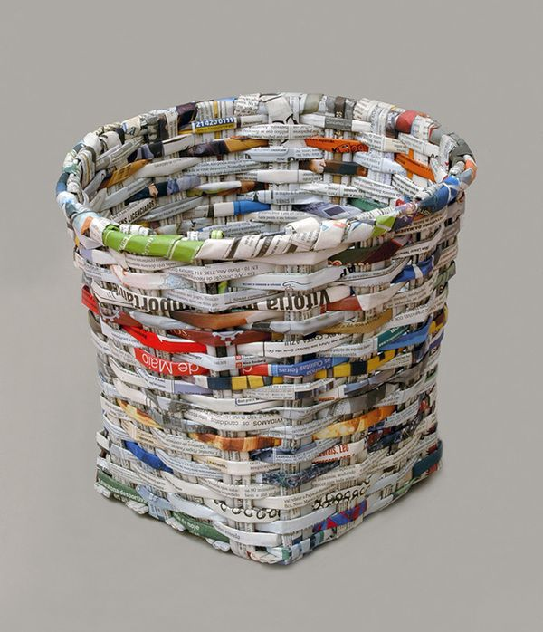 News is a basket made with recycled 60 sheets of newspaper. This resistant container is made in a traditional basket weaving technique,communicating very directly possibilties of domestic recycling.