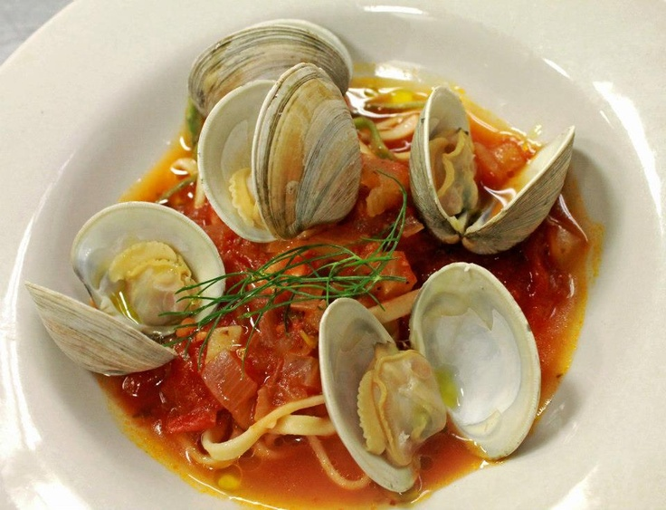 Linguine With Clams pasta neck clams, fennel, garlic, tarragon, san ...