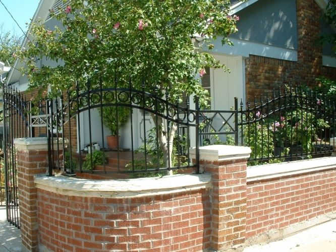 Brick and iron fencing great backyards and patios for Brick and wrought iron fence designs