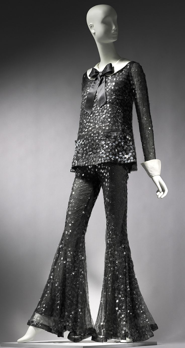 Arnold Scaasis ensemble designed for Barbra Streisand. She was wearing it to the 1969 Academy awards.