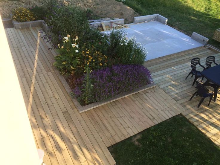 Terrasse en bois pin rouge du Nord, fixations invisibles HAPPAX www