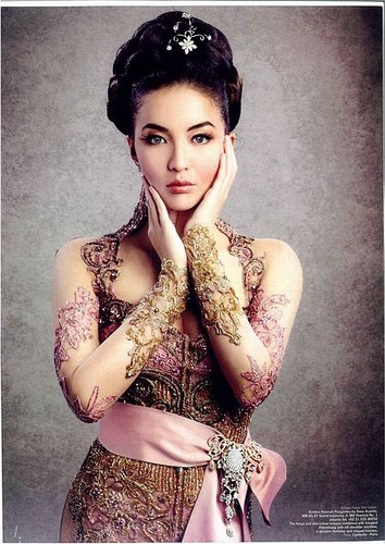 Traditional Indonesian Wedding Makeup : Indonesian beauty Manohara Odelia Pinot WOMEN Pinterest