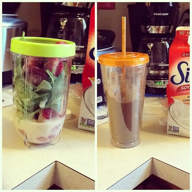 strawberry banana spinach soy milk smoothie :)