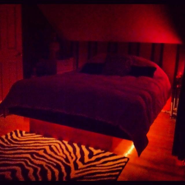 my light up platform bed in love dream house pinterest. Black Bedroom Furniture Sets. Home Design Ideas