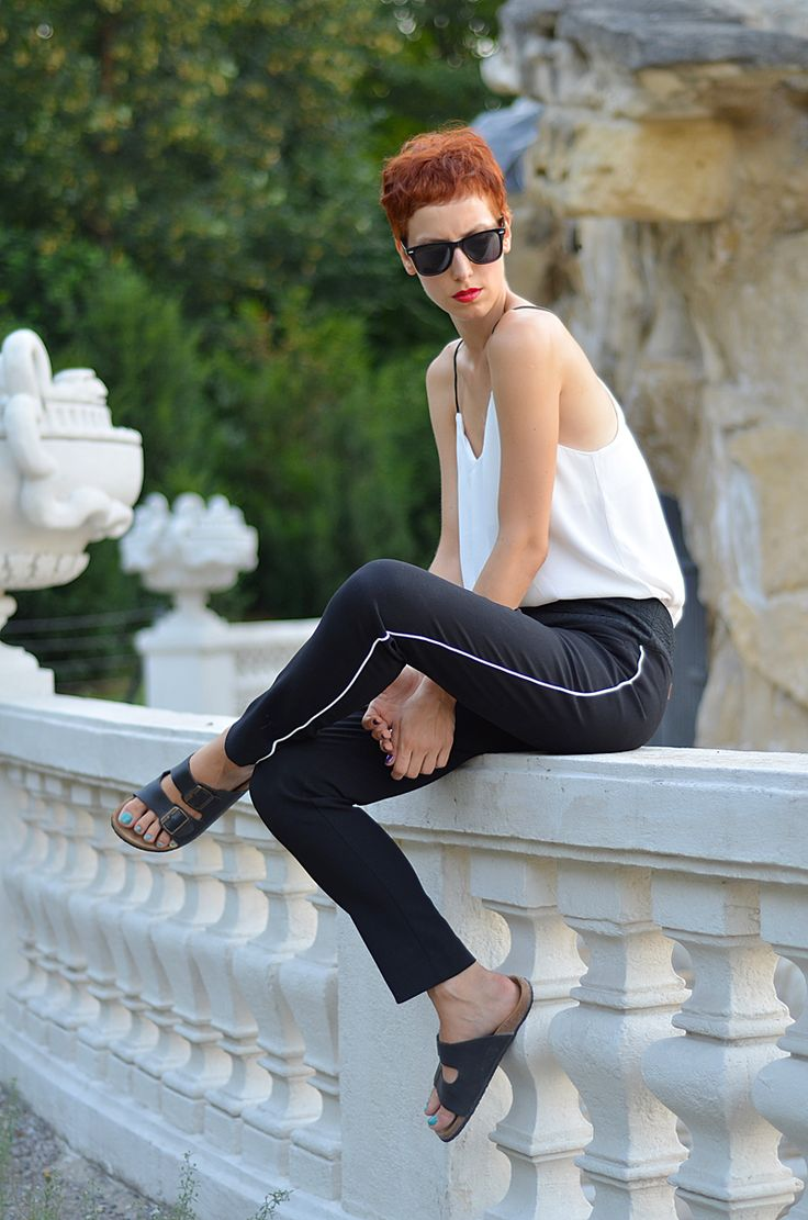 http://birkenstocks.sandals4less.com/birkenstock-arizona/