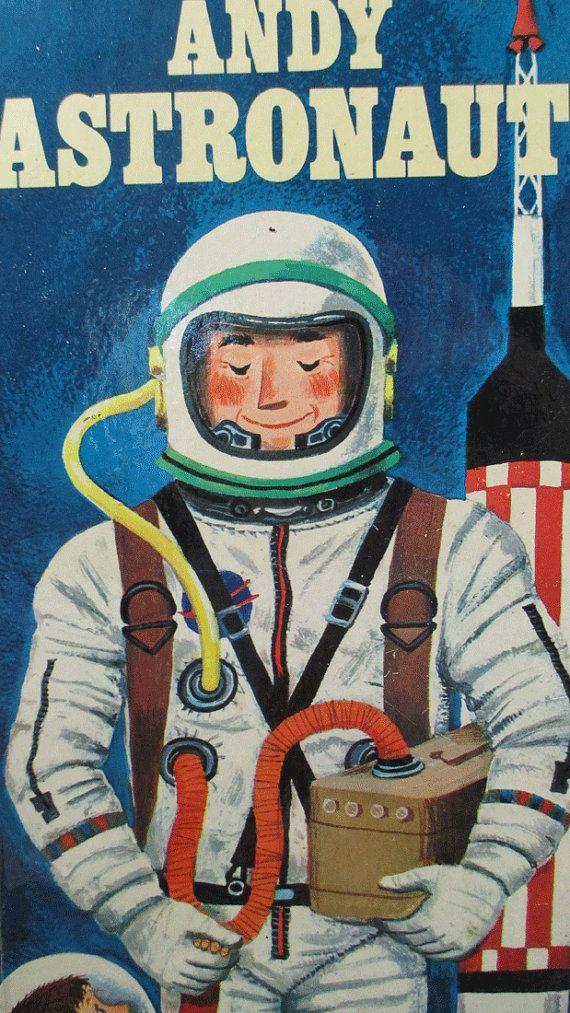 astronaut reading book - photo #14