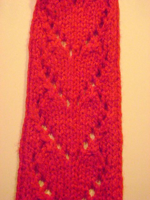 Heart Scarf Knitting Pattern : Chained hearts scarf: free pattern Knitting Love! Pinterest