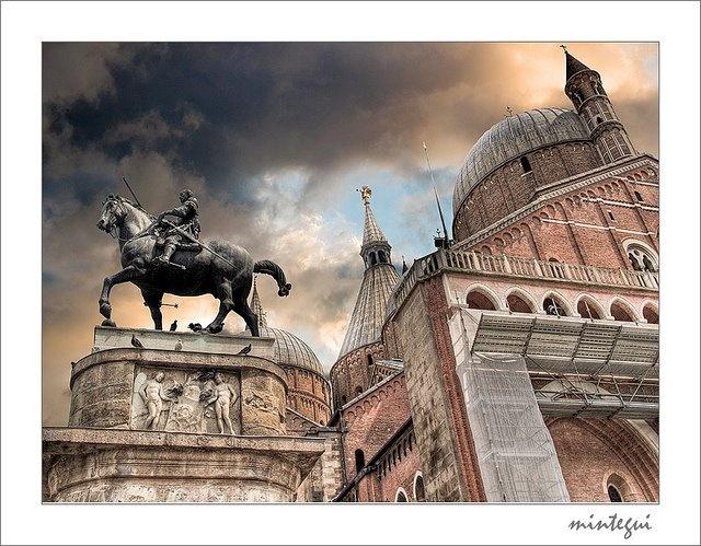 Equestrian statue of Gattamelata by Donatello  1453   Piazza del Santo    Donatello Equestrian Statue Of Gattamelata