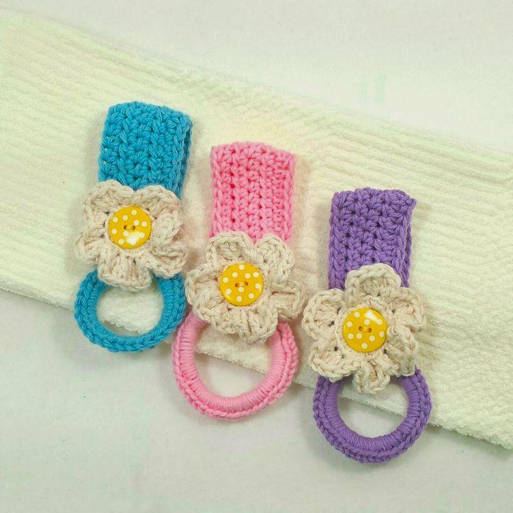 Crochet Patterns For Kitchen Towel Holders : Daisy Towel Holder Knitting and Crochet Pinterest