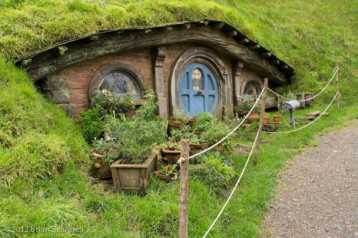 Hobbit Homes HAPPY MEDIUM STUDIOS LORD OF THE RINGS HOBBIT HOMES
