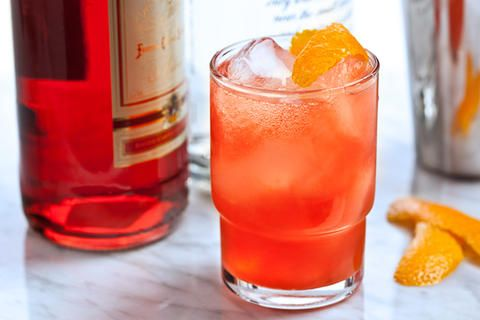 Mutticano Cocktail: vodka, Campari, fresh orange juice, club soda