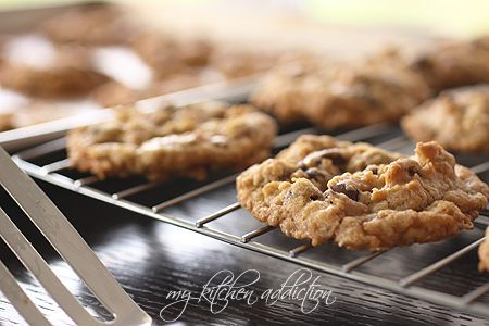 Toffee Chocolate Chip Oatmeal Cookies | Desserts and Sweets | Pintere ...