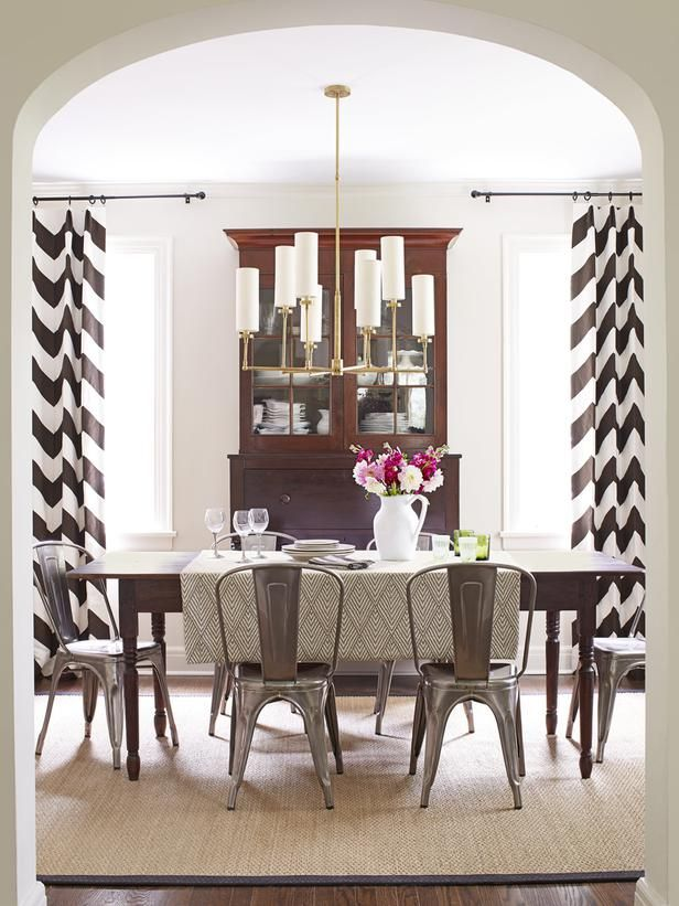 floor to ceiling zigzag drapes in the dining room pattern