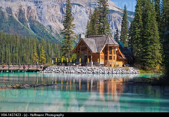 Canada Emerald Lake Beautiful Log Cabins Pinterest