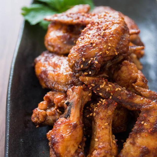 Korean Fried Chicken (Yangnyeom Chikin) | Recipes to Cook | Pinterest