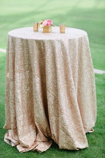 Glitter Tablecloths | Photo by Joielala Photographie