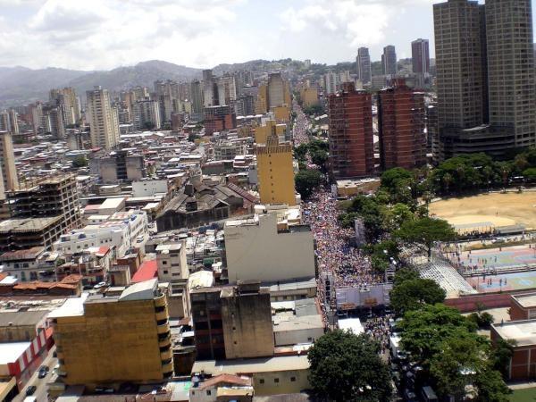Foto aérea de la marcha en Caracas