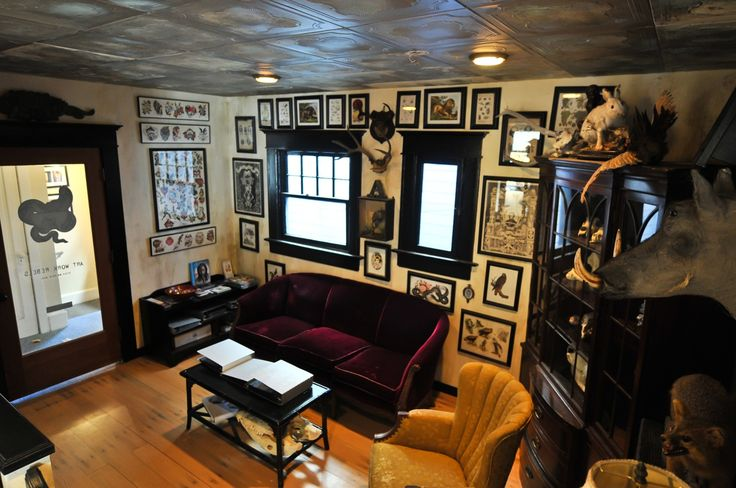 Well decorated tattoo parlour home decor pinterest