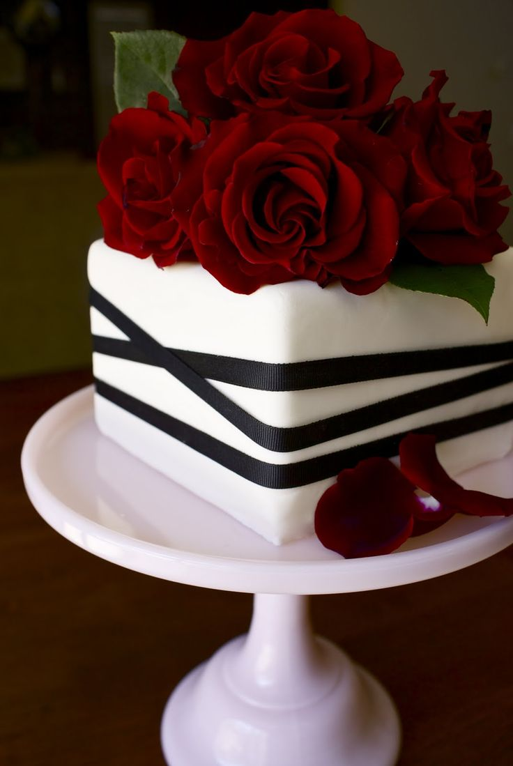 Red roses anniversary cake alaska 2013 pinterest for Anniversary cake decoration