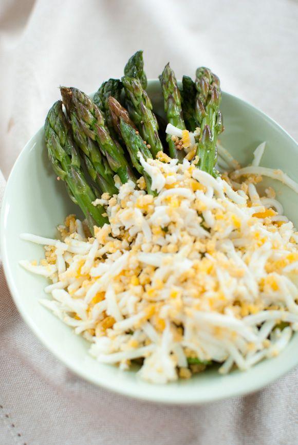 Asparagus mimosa. Looks DIVINE! | Nom² | Pinterest