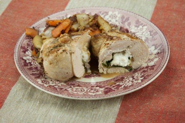 Chicken Bacon Roulade on http://whitsamusebouche.com