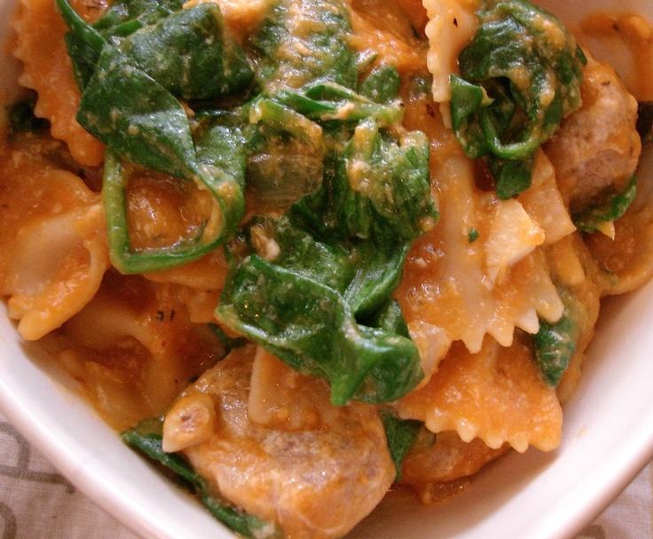 Pasta with Turkey Sausage, Spinach & Pumpkin Sauce