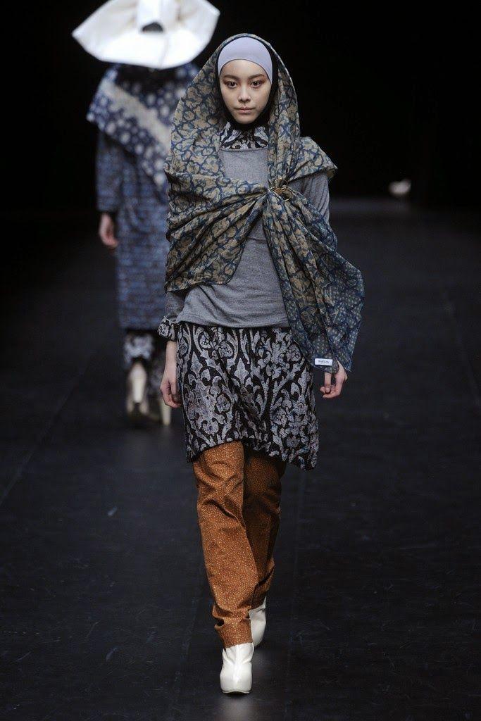 NurZahra RTW Fall 2014 collection at Tokyo Fashion Week - http://bit.ly/1dCcsAj