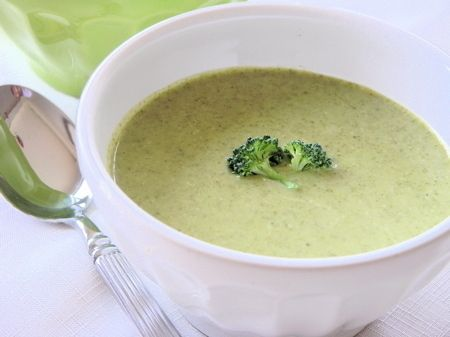 "Creamy"" Broccoli Soup made with coconut milk!"