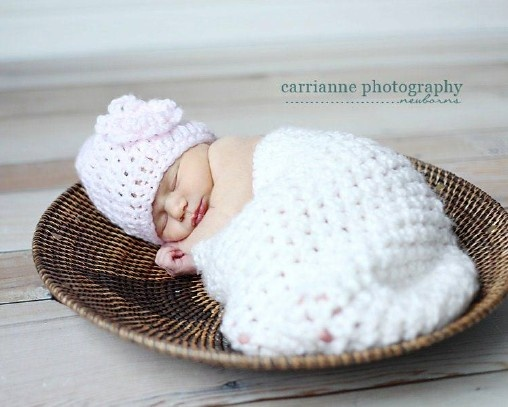Crochet Patterns For Baby Beanies With Flowers : Pin by Ernasha McIntosh on ~Tiny Human Stuff~ Pinterest