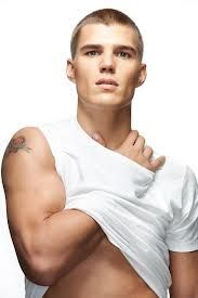 Chris Zylka - Cas Altered